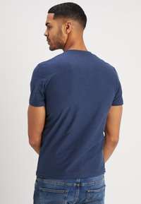 TOM TAILOR - BASIC HENLEY - T-shirt - bas - dark blue - 2