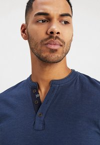 TOM TAILOR - BASIC HENLEY - T-shirt - bas - dark blue - 3