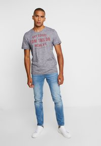 TOM TAILOR - FINE TEE - T-shirt con stampa - navy/white - 1