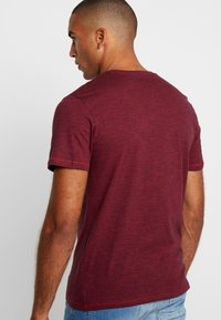 TOM TAILOR - FINE TEE - T-shirt con stampa - red/navy - 2