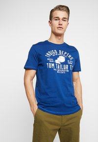 TOM TAILOR - Print T-shirt - after dark blue - 0