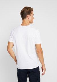 TOM TAILOR - BASIC 2 PACK - T-shirt z nadrukiem - real navy blue/white - 2