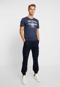 TOM TAILOR - BASIC 2 PACK - T-shirt z nadrukiem - real navy blue/white - 0