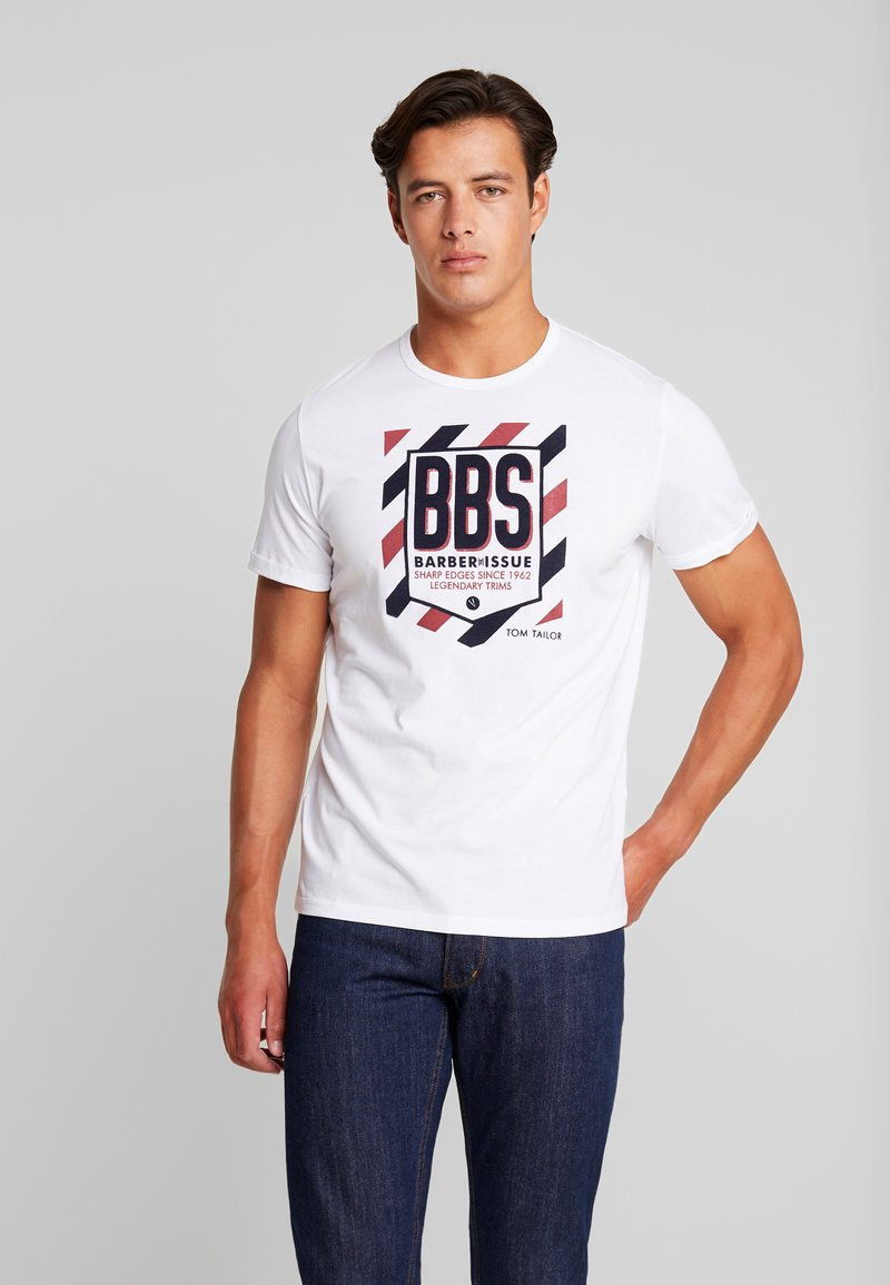 TOM TAILOR - WITH FLOCK PRINT - T-shirt z nadrukiem - white