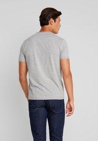 TOM TAILOR - WITH FLOCK PRINT - Print T-shirt - middle grey melange - 2