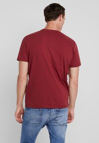 TOM TAILOR - Print T-shirt - fathers pipe red - 2