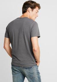 TOM TAILOR - Print T-shirt - magnet - 2