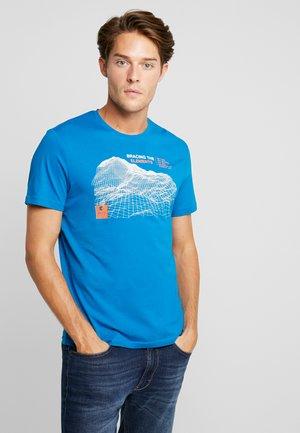 T-shirts med print - greek blue