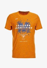 TOM TAILOR - FINE STRIPED - T-shirts med print - pumpkin orange - 4