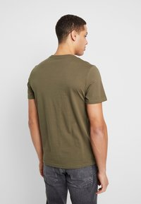 TOM TAILOR - 2 PACK - T-shirt con stampa - black - 2
