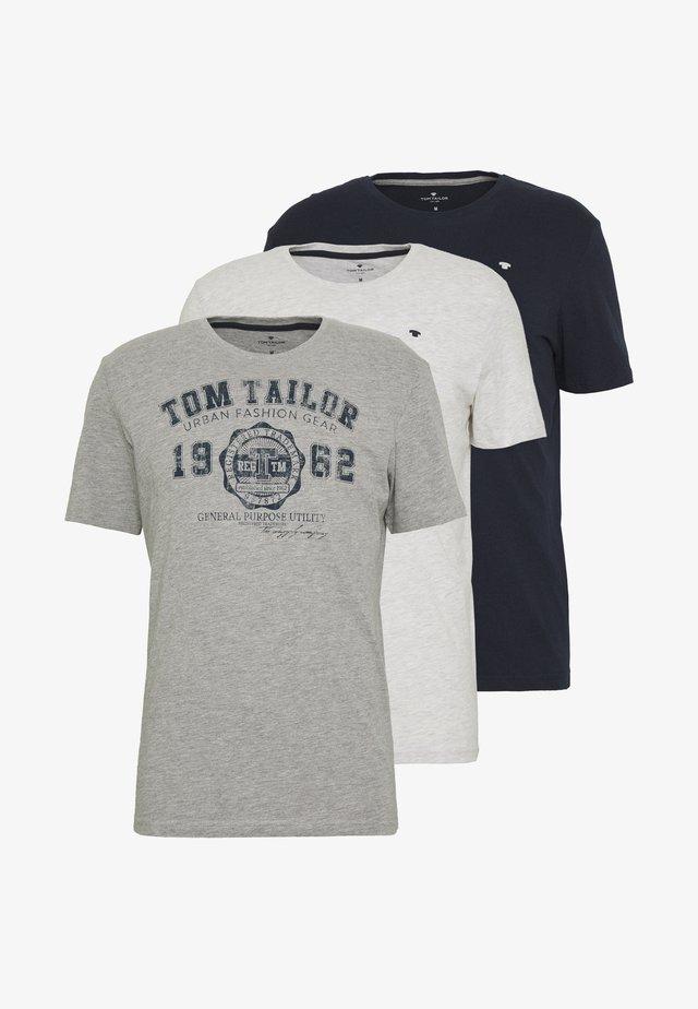 BASIC T-SHIRT 3 PACK - T-shirt med print - middle grey melange