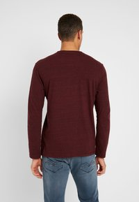 TOM TAILOR - HENLEY WITH EMBRO AT CHEST - Long sleeved top - dark red - 2