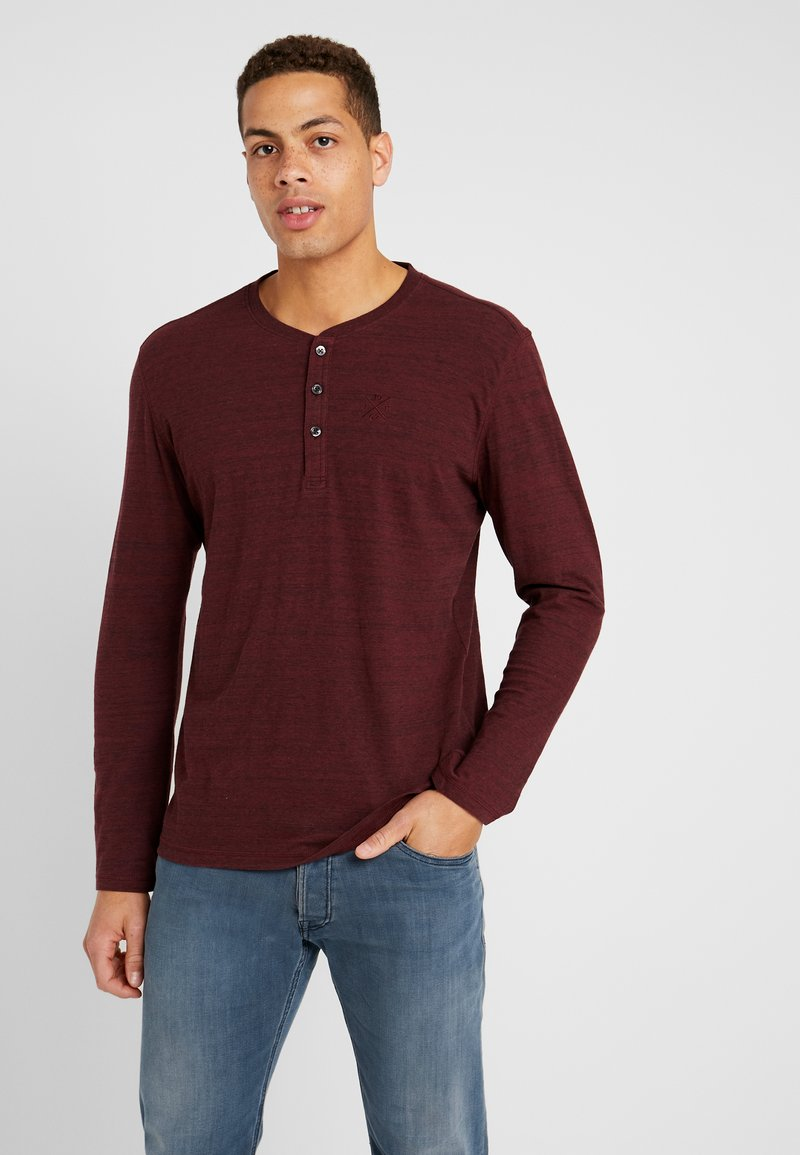 TOM TAILOR - HENLEY WITH EMBRO AT CHEST - Long sleeved top - dark red