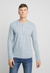 TOM TAILOR - HENLEY WITH EMBRO AT CHEST - Bluzka z długim rękawem - offwhite/ melange blue - 0