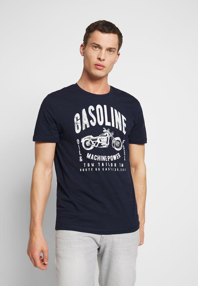 GASOLINE - T-Shirt print - sky captain blue