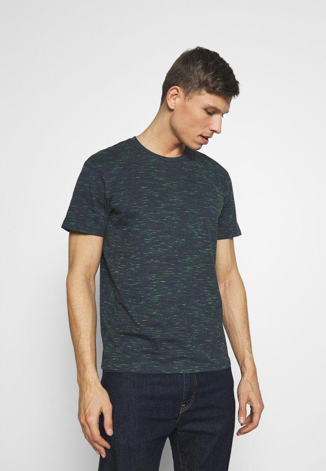 BASIC MULTICOLOUR - T-shirt print - dark blue/green melange