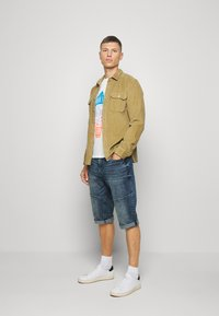 TOM TAILOR - TEE WITH COLOR PRINT - Print T-shirt - off white - 1