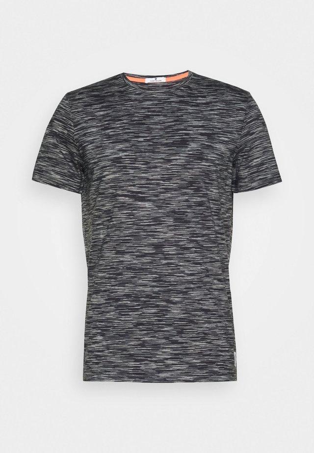 T-Shirt print - white space