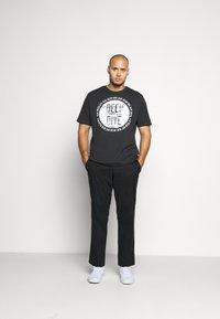 TOM TAILOR - Print T-shirt - phanton dark grey - 1