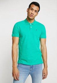 TOM TAILOR - BASIC - Koszulka polo - cucmber green - 0