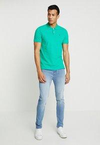 TOM TAILOR - BASIC - Koszulka polo - cucmber green - 1