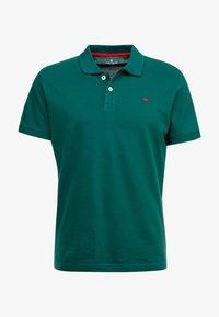 TOM TAILOR - BASIC - Polo - fairway green - 4
