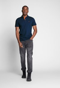 TOM TAILOR - BASIC WITH CONTRAST - Polo - blue - 1