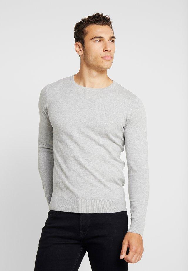 Strikkegenser - light soft grey melange