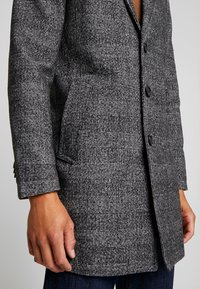 TOM TAILOR - WOOL COAT IUTTONS - Krótki płaszcz - black/grey - 5