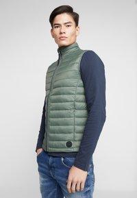 TOM TAILOR - LIGHT WEIGHT VEST - Waistcoat - dark thyme green - 3