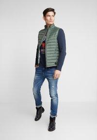 TOM TAILOR - LIGHT WEIGHT VEST - Waistcoat - dark thyme green - 1