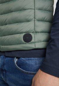 TOM TAILOR - LIGHT WEIGHT VEST - Waistcoat - dark thyme green - 4