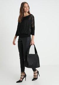 TOM TAILOR - MIRI ZIP  - Shoppingveske - schwarz - 1