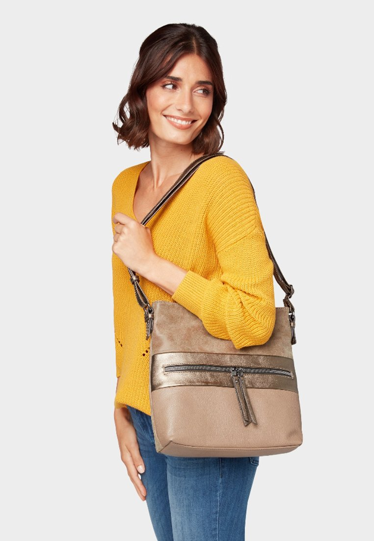 TOM TAILOR - MARIT HOBO - Skuldertasker - beige