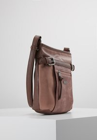 TOM TAILOR - JUNA CROSS BAG - Skuldertasker - rose - 3