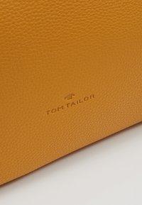 TOM TAILOR - MARLA - Borsa a mano - yellow - 6