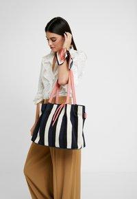 TOM TAILOR - ADRIA - Shopping bag - stripes blue - 1