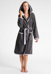 TOM TAILOR - FEEL GOOD - Dressing gown - grau - 0