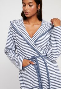 TOM TAILOR - STRIPE BATHROBE - Dressing gown - jeans blue - 5