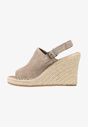 MONICA - Sandály na vysokém podpatku - desert taupe