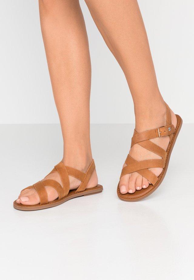 SICILY - Sandały - natural