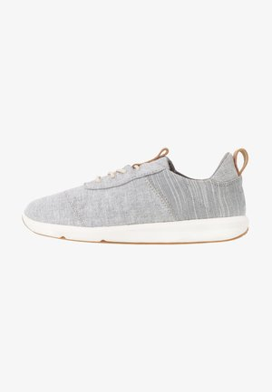 CABRILLO - Trainers - grey