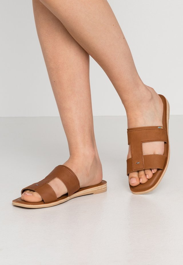 SEACLIFF - Pantofle - tan