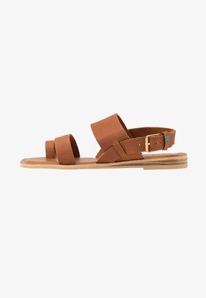 FREYA - Sandály s odděleným palcem - tan