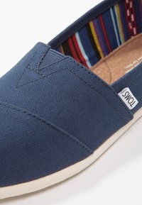 TOMS - CLASSIC - Instappers - navy - 5