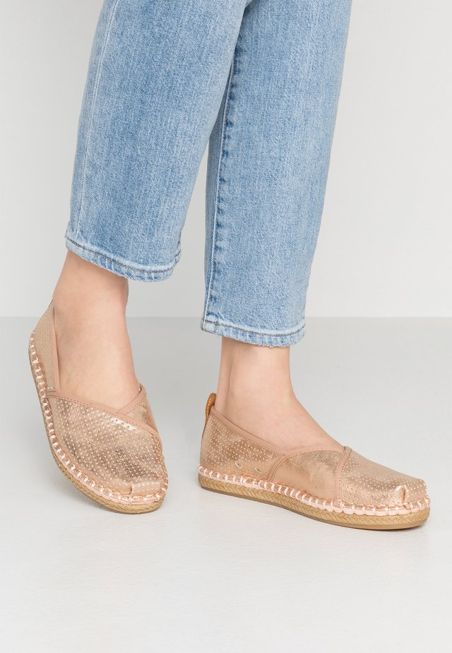 PETRA - Slip-ons - champagner shimmer
