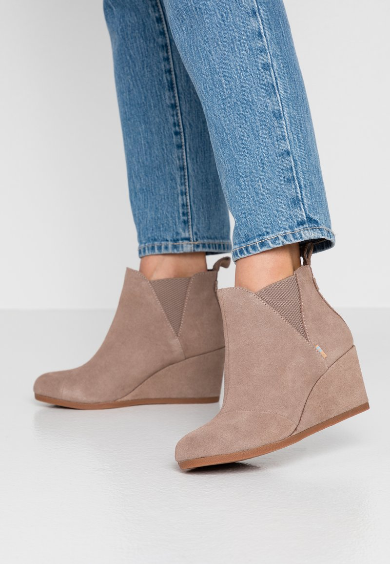 TOMS - KELSEY - Ankle Boot - taupe