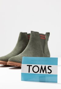 TOMS - CLEO - Korte laarzen - olive - 7