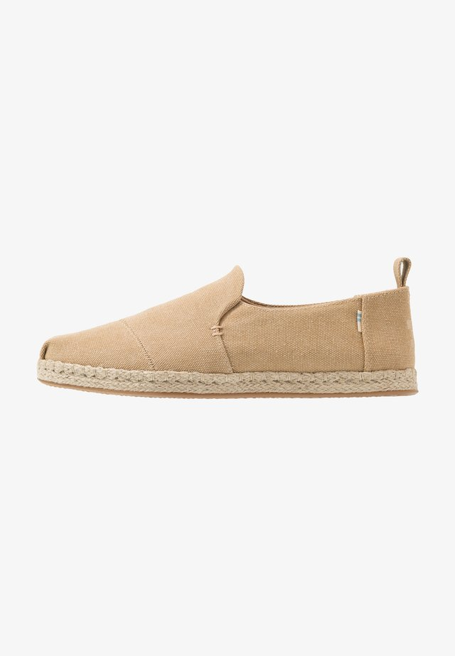 DECONSTRUCTED ALPARGATA - Espadrilles - natural