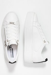 TOM TAILOR DENIM - Sneakersy niskie - white - 3